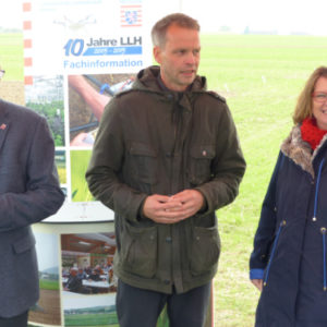 Von links: LLH-Direktor A. Sandhäger, Dr. T. Haase, Ministerin P. Hinz