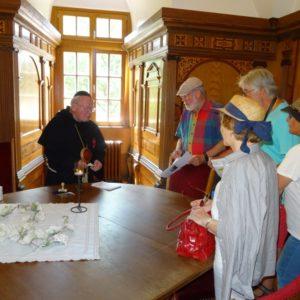 """Auch """"Martin Luther"""" hielt kniffelige Fragen für die Teilnehmer im Lutherzimmer des Schlosses bereit"""