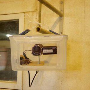 In einer luftdicht verschlossenen Box ist die Kamera vor Staub und Gerüchen geschützt.