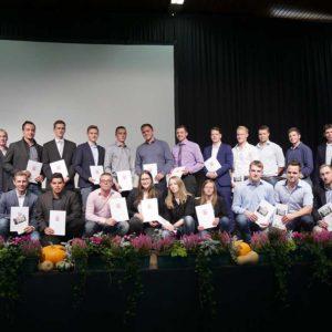 Absolventen der Berufsschule Fulda mit Thomas Willert, Stefan Kistner sowie Ehrengästen