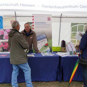 Winfried Schmidtner informierte am LLH-Beratungsstand