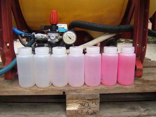 Abb. 5: Separate Reinigungspumpe an einer Pflanzenschutzspritze