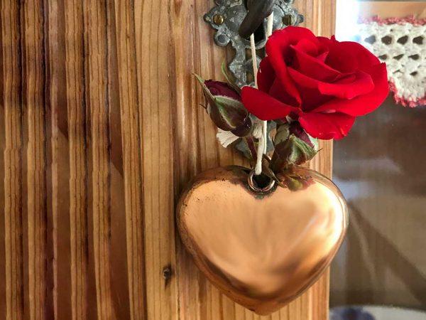 Rose mit Herz zum Valentinstag