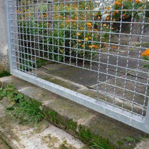 Nachträgliche Öffnung im Gartentor