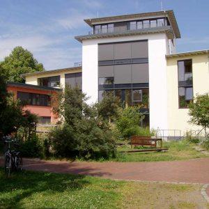Bild 9: 6-geschossiges Seminar- und Bürogebäude in Strohballenbauweise, NZNB in Verden ©www.baustroh.de